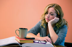 Attractive Woman Studying Royalty Free Stock Photography