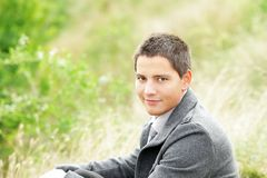 Attractive young man outside Royalty Free Stock Images