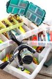 Attraits et amorces d'Ishing dans la boîte en plastique Photo stock