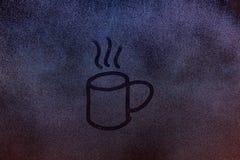 Attraktion av den varma drinken för stor kopp Fotografering för Bildbyråer