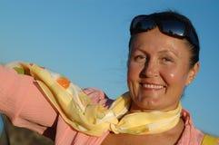 attraktiv äldre kvinna Royaltyfri Foto