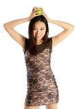 Attraktiv asiatisk flicka 20 år gammalt skott i studio Fotografering för Bildbyråer