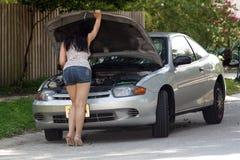 attraktiv bil inaktiverad flicka 7 Royaltyfri Foto