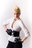 attraktiv blond flickapunk Arkivfoto