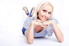 attraktiv blond modell Arkivbilder