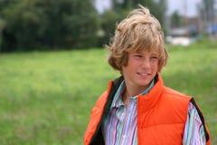 attraktiv blond pojke Arkivfoton