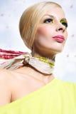 Attraktiv blondin Arkivfoto