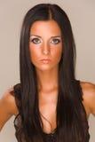 attraktiv brunetflicka Arkivbilder