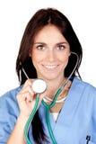 attraktiv brunettdoktor arkivbild
