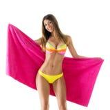 Attraktiv flicka i en bikini Royaltyfria Bilder
