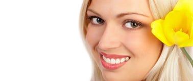 attraktiv framsidakvinna arkivfoto