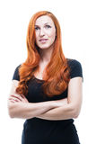 Attraktiv fundersam rödhårig mankvinna Arkivfoto