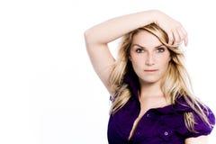 Attraktiv härlig dam Wearing Violet royaltyfria bilder