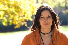 attraktiv kvinna Fotografering för Bildbyråer