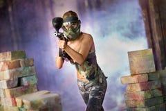 Attraktiv kvinnlig pantballer royaltyfria foton