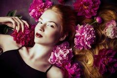 attraktiv lady Arkivfoto