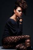 attraktiv posera kvinna Royaltyfri Fotografi