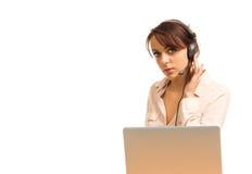 Attraktiv receptionist eller call centeroperatör Fotografering för Bildbyråer