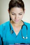 attraktiv sjuksköterska Royaltyfri Bild