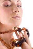 attraktiv smyckenkvinna Arkivfoto