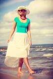 attraktiv strandkvinna Arkivbilder