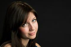 Attraktiv ung kvinnaframsida fotografering för bildbyråer