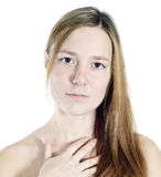 Attraktiv ung kvinnastående Arkivfoton