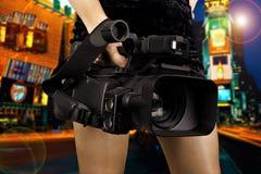 attraktiv videographer Arkivbild