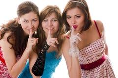 attraktiva flickvänner säger tre Royaltyfri Fotografi