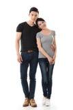 Attraktiva unga asiatiska par fotografering för bildbyråer