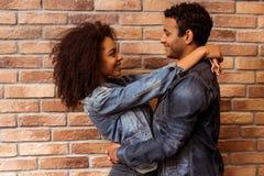 Attraktive afroe-amerikanisch Paare Lizenzfreies Stockfoto