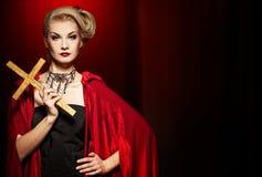 Attraktive blonde Dame Lizenzfreie Stockfotos