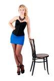 Attraktive blonde Frau mit Perlen Stockfotografie