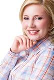 Attraktive blonde lächelnde Frau Lizenzfreies Stockbild