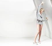 Attraktive blonde Schönheit Lizenzfreies Stockfoto