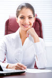 Attraktive Frau lizenzfreies stockfoto