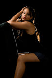 Attraktive Frau auf Schwarzem Lizenzfreie Stockbilder