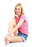 Attraktive Frau in der Sommerkleidung Stockfoto