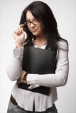 Attraktive Geschäftsfrau in den Gläsern lizenzfreie stockbilder