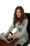 Attraktive Geschäftsfrau, die an Laptop 3 arbeitet Lizenzfreies Stockfoto