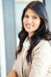 Attraktive indische Geschäftsfrau lizenzfreie stockbilder