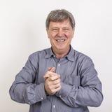 Attraktive 50 Jahre alte zufällige gekleidete Mann Lizenzfreie Stockfotografie