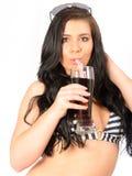 Attraktive junge Frau im Bikini Stockbilder