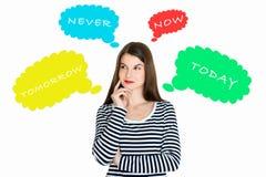 Attraktive junge Frau tief in ihren Gedanken Stockbilder