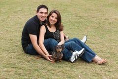 Attraktive junge Paare Stockbilder