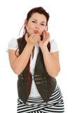 Attraktive schöne Frau, die Kuss sendet Stockbild