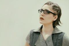 Attraktive schöne junge Frau lizenzfreies stockfoto