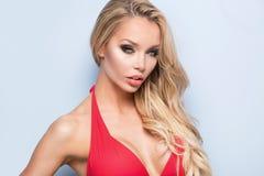 Attraktive sexy Frau im Badeanzug Stockfotos