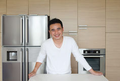 Attraktiver asiatischer Mann Stockfotos