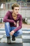 Attraktiver blauäugiger, blonder junger Mann Lizenzfreies Stockbild